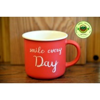 Porzellan Becher Smile every day rot
